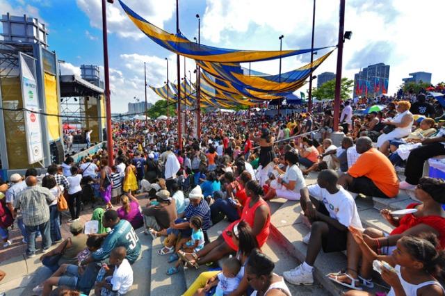 Penns-Landing-Festival-Crowd-680uw